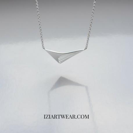 Naszyjnik z zawieszką bumerang srebrny